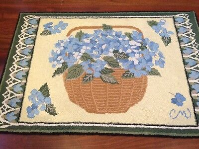 """Claire Murray Rug 100% Wool Hand Hooked """"Hydrangea Basket"""" 24 X 36"""