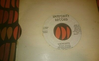 """Archie mclean young love killer early 80s roots 7"""""""