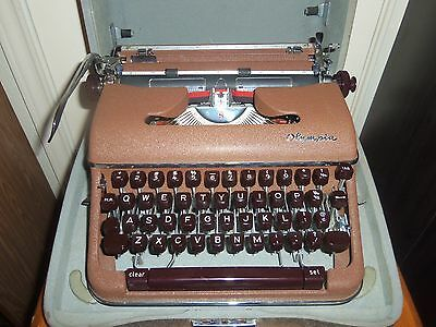 """Vintage 1960 OLYMPIA  Portable SM4  """"S"""" Typewriter & Case Made In Germany MINT!"""