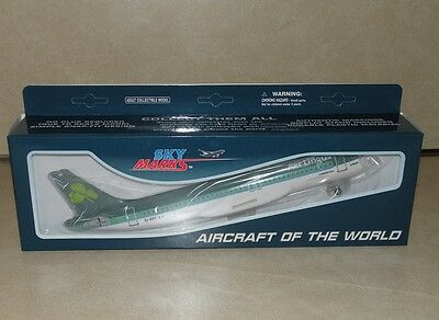 1:150 scale Aer lingus airbus A320 model plane with gears stand Skymarks 200