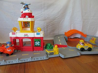 Fisher Price Little People Discovery Airport, Plane, Helicopter, Car & 3 figures
