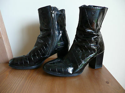 Vintage Fontaine black patent zip up snakeskin look ankle boots.Size 5