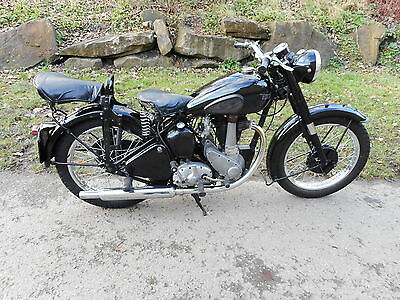BSA B31 from 1949 comes with original paperwork