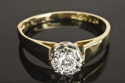 A VINTAGE SOLID 18ct GOLD DIAMOND SOLITAIRE ENGAGEMENT RING SIZE N (US 6.75)