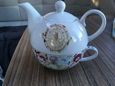 Floral Teapot + Cup for One by Kirsty Allsopp. Delightful  Christmas Gift