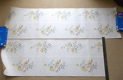 4 Lengths of Vintage 1950s Wallpaper - Yellow Roses