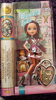 Ever After High - Madeline Hatter Sugar Coated Puppe/Doll Neu/New
