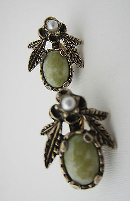 Vintage Green Glass Agate Clip-On Earrings Gold Tone Metal By Miracle 1960's