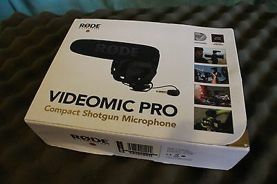 Rode VideoMic Pro - DSLR & Camcorder Microphone