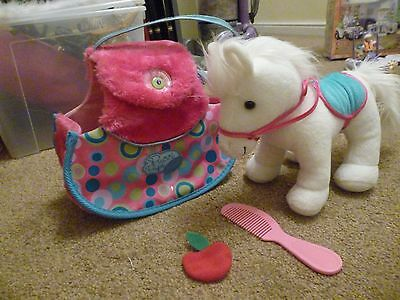 Pucci Pups and Friends pony in a carry case, excellent condition