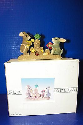 Charming Tails Figurine Mouse Mice Rabbit Bunny Signed Building Castles 1998