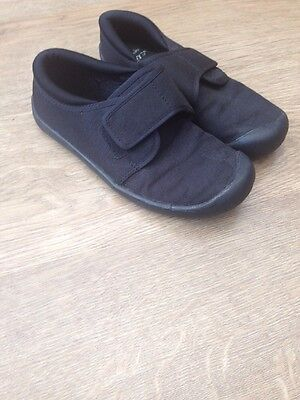 Clarks Doodles Gym Shoes Black, Size Kids 11 F. Good Condition