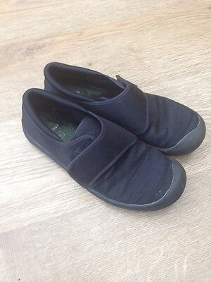 Clarks Doodles Gym Shoes Black, Size Kids 2 Good Condition