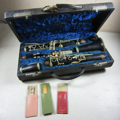 Antique GM Bundy Paris Wood Wooden Clarinet Made in France in Selmer Case
