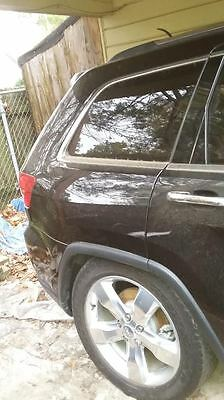 2012 Jeep Grand Cherokee  2012 Jeep Grand Cherokee Overland (Front End Damage) Motor Intact