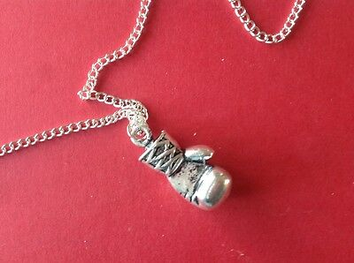 A Really Unusual '' BOXING GLOVES ** Silver Pendant / Necklace