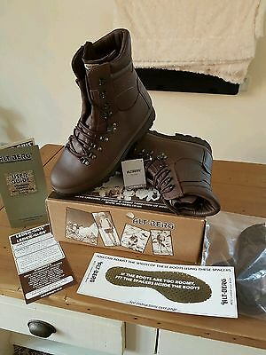 Altberg boots size 9