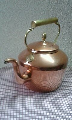 Large copper and brass handle kettle 8 pints