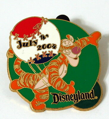 Disney 4th of July 2004 Tigger throwing Baseball Disney Pin 31019 Winnie Pooh