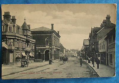 HARTMANN Postcard POSTED 1907 LONDON STREET AND TOWN HALL CHERTSEY SURREY