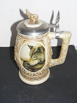 1997 Avon Tribute to the North American Wolf Stein Mug NIB
