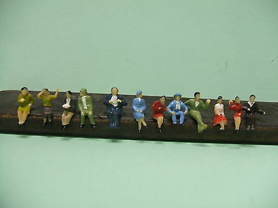 Lot 12 Personnages Assis Ho 1/87 Neuf
