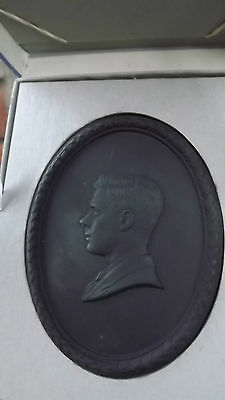 1972 Wedgwood Death of Duke of Windsor Black Oval Plaque King Edward 8th