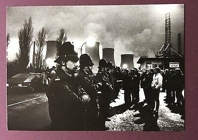 Support the miners postcard by Leeds Postcards - No 4 Early morning picketing