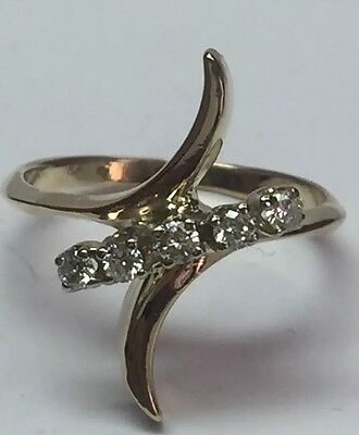 Natural DIAMOND Ladies RING Solid 14 KT yellow GOLD
