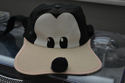 VINTAGE DISNEY GOOFY HAT/CAP ADULT SIZE SNAPBACK trucker MADE IN USA
