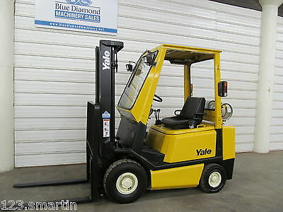 Yale GLP040, 4,000# Pneumatic Tire Forklift, 3 Stage, S/S, GLP030, H40XM Hyster