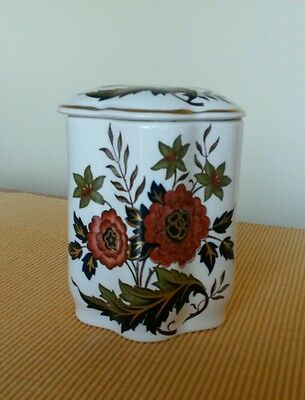 Palissy Royal Worcester Pot with Lid Chrysanthemum Flower Decoration