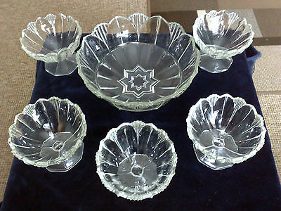 Nice Art Deco 5 Piece Vintage Pressed Glass Fruit/trifle Dishes