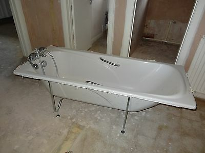 White Acrylic Bath with Chrome Taps, Legs and Shower Attachment 1700mm x 700mm