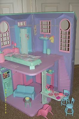 Barbie Electronic Talking Townhouse With Accessories And Box