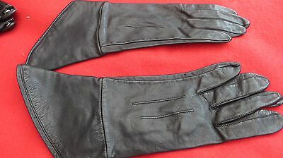 Lovely Pair Of Ladies Soft Black Leather Gloves -