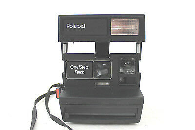 VINTAGE POLAROID ONE STEP FLASH INSTANT CAMERA with STRAP 600 FILM