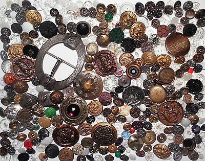 Nice Large Lot Antique Victorian to Vintage Buttons Metal Glass Picture MORE!