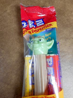 Vintage Star Wars Yoda Pez Dispenser -  Sealed in Original Package with Candy