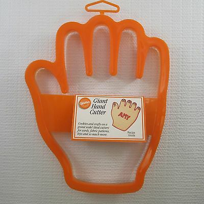 Wilton GIANT HAND Cookie Cutter 2303-0093 (1993)
