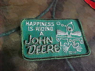 1960s HAPPINESS IS RIDING A JOHN DEERE TRACTOR PATCH SNOOPY SCHULZ NOS VINTAGE!!
