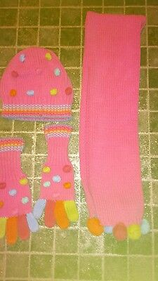 hat gloves and scarf