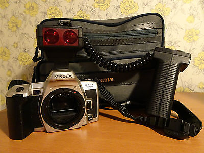 Minolta Dynax 505si SLR 35mm Camera Body Only with Flash + Case