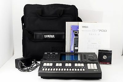YAMAHA QY700 Music Sequencer High-End Sequencer Workstation w/ disk, gig bag #35