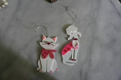 """*NEW* White Wood Plastic Fancy  """"CAT AND DOG ORNAMENTS"""""""