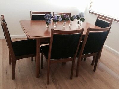 Wood Dining Room Table and 6 Chairs