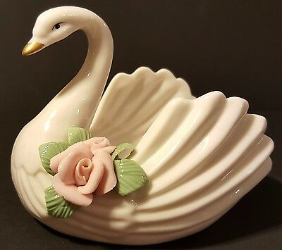 Vintage-Hand Painted-White-Porcelain Swan-Trinket Dish w/pink Capodimonte Roses
