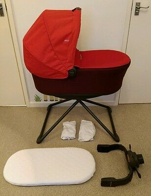Red Mamas & Papas Mylo Carrycot, Stand, Mattress + extras. Excellent condition