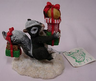 Charming Tails 87/600 Skunk Figurine By Dean Griff