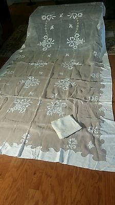 """Vintage Madeira   embroidery application tablecloth 124""""×66"""" 12 napkins"""